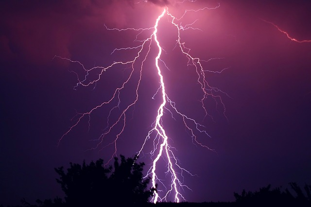 tonnerre, orage, violet