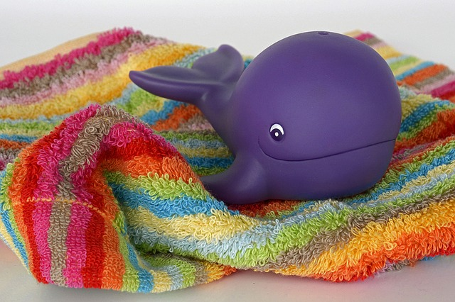 baleine, jouets, l'eau